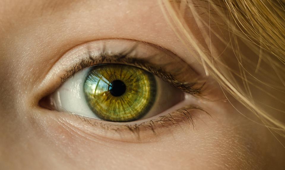 Ooglidcorrectie voor zware en hangende oogleden